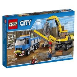 Excavadora y Camión