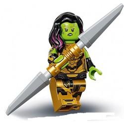 Gamora (con la espada de...
