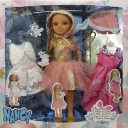 Famosa 700013110 Kit de Tres Vestidos de Cuento con muñeca